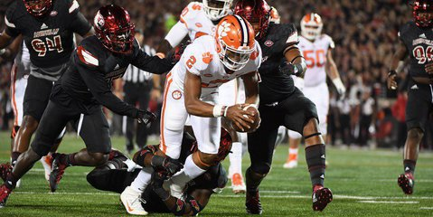 Clemson lost two first-place votes this week after pulling away to a 34-7 win over Boston College.